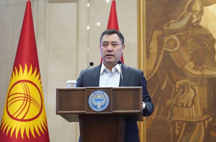 """Qırğızıstan prezidentinin """"Facebook"""" səhifəsi dağıdıldı"""
