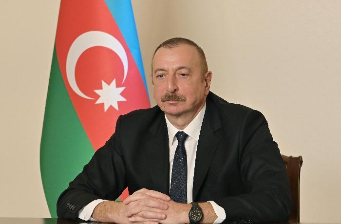 Prezident siyasi partiyaların YAP-a qoşulmasından danışdı