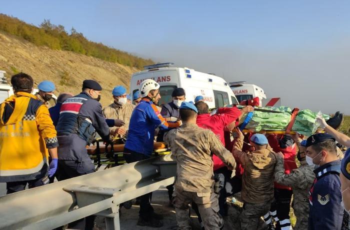 Türkiyədə avtobus 150 metrdən uçuruma yuvarlandı - 2 ölü, 15 yaralı var