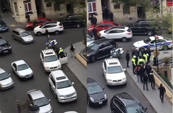 Polis Bakıda süni sıxlıq yaradaraq sürücünü saxladı – VİDEO + DYP-dən AÇIQLAMA