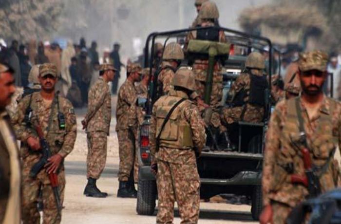 Pakistan'da 9 terörist etkisiz hale getirildi