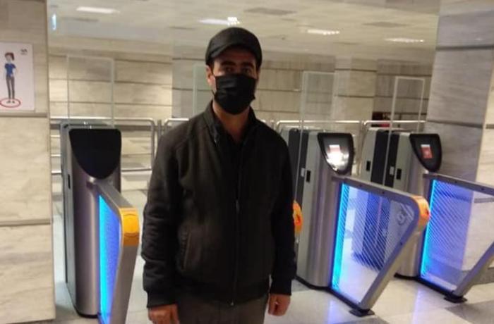 """Metroda koronavirus xəstəsi tutuldu: """"Hava almağa çıxmışdım"""" - FOTO"""