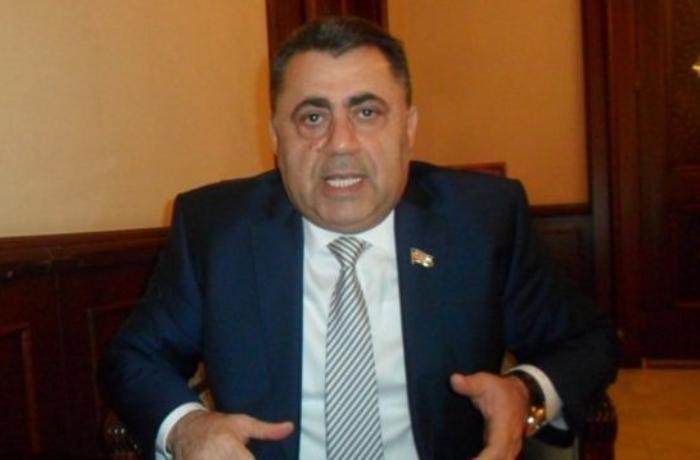 """Şeyxin deputat qardaşı sürücüsünü cəzalandırdı: """"Facebook"""" statusuna görə - FOTO"""