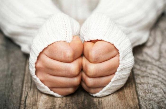 Əl-ayaqlarınız daim soyuqdur, üşüyürsüzsə - Bu problemlər ola bilər