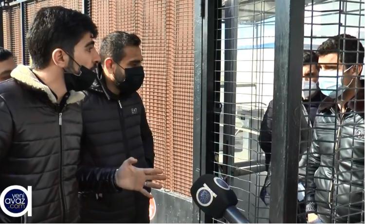 """Modul xəstəxanasının işçiləri aksiya keçirib: """"2 aydır maaş almırıq"""" - VİDEO"""