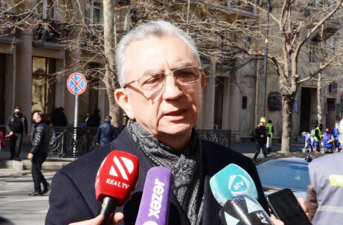 Eldar Əzizov Bakı küçələrinin qardan gec təmizlənməsinin səbəbini açıqladı - VİDEO