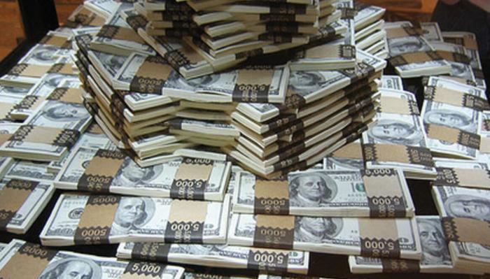 Ölkədən bir ildə 1.1 milyardı kimlər və niyə çıxarıb... - Mərkəzi Bankın İZAHI
