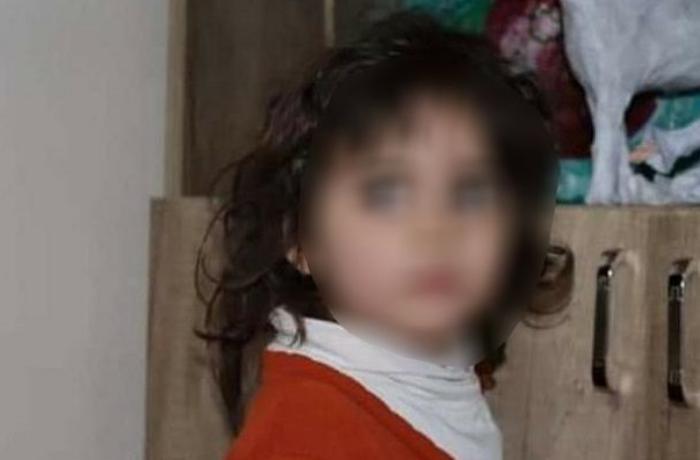 Bakıda gecə küçəyə atılmış uşaq tapılıb - FOTO