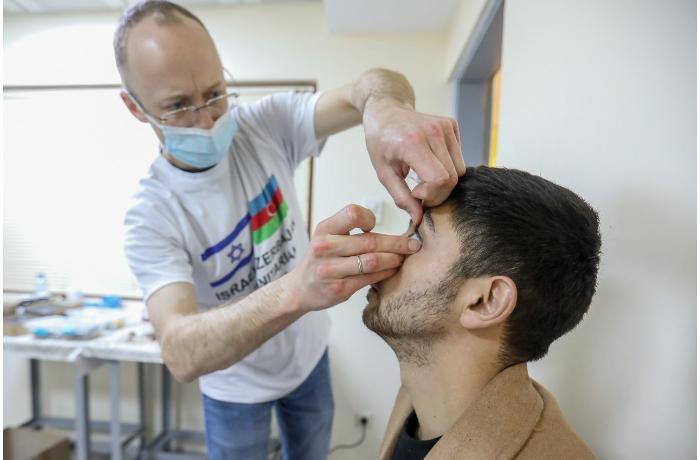 İsraildən gələn həkimlər daha bir qazimizə plastik göz taxdı - FOTO