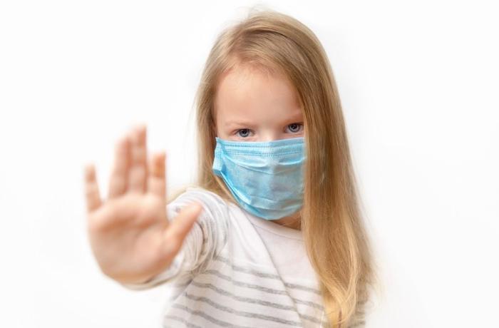 """Pediatrdan xəbərdarlıq: """"Uşaqlarınızda koronavirusa yoluxduqdan 4-6 həftə sonra hərarəti varsa..."""" - VİDEO"""