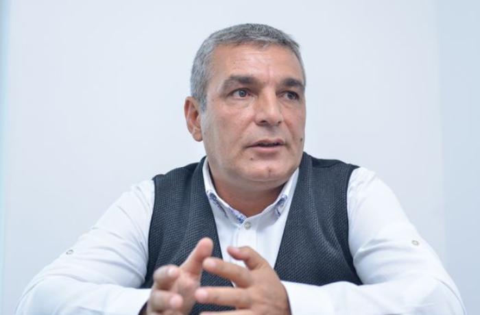 """""""Əliyev qaçmaq üçün aeroportlar tikir deyənlər """"təkhüceyrəlidir"""""""" – Natiq Cəfərli"""
