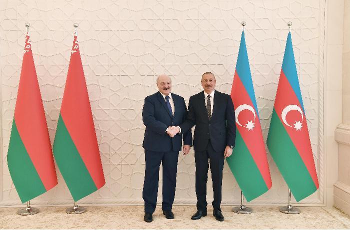 Azərbaycan və Belarus prezidentlərinin geniş tərkibdə görüşü olub