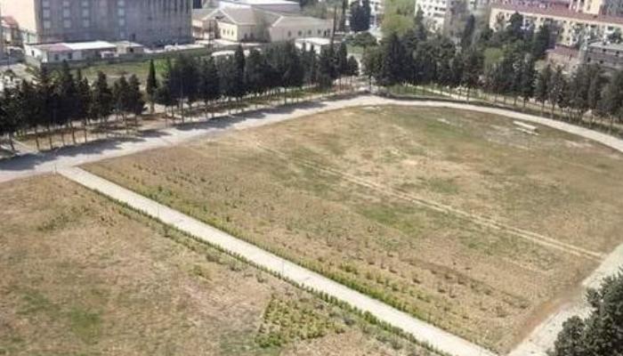 Sumqayıtda stadionun ortasından yol çəkildi - VİDEO