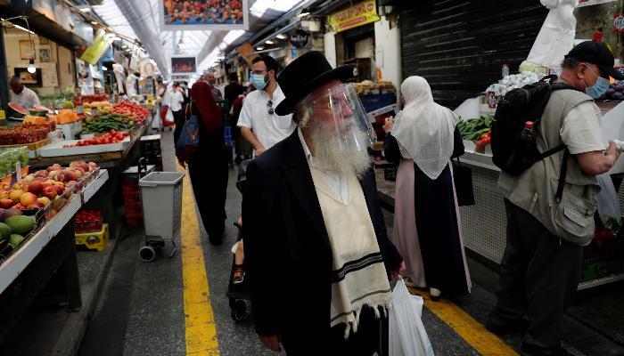 İsraildə açıq havada maska taxmaq qadağası ləğv edilir
