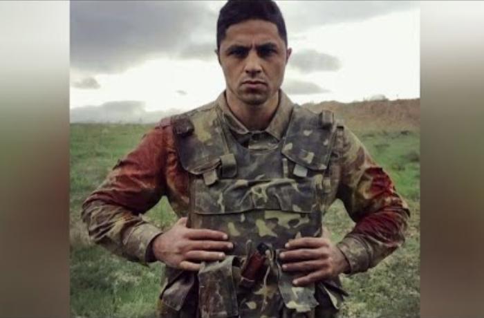 Yaralı halda şəhid daşıyan Muxtar Qasımlı - VİDEO