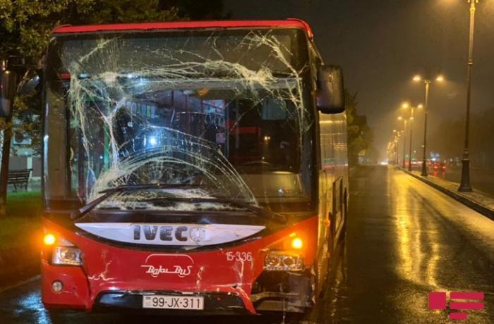"""""""Bakubus"""" MMC-yə məxsus avtobuslar qəzaya uğrayıb"""