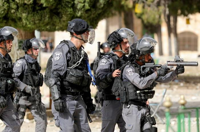 Violence flares at al-Aqsa mosque as Israel marks Jerusalem Day