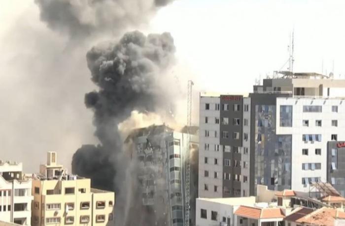 Qəzzada beynəlxalq KİV-in yerləşdiyi bina bombalanıb