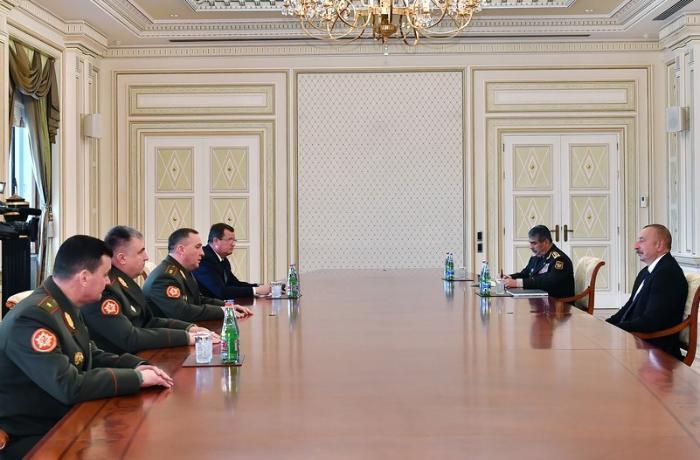 Prezident Belarusun müdafiə nazirini qəbul edib