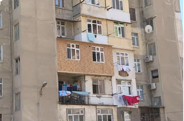 Bəzi binalarda liftin yerləşdiyi hissə arasındakı yer zəbt olunub – VİDEO