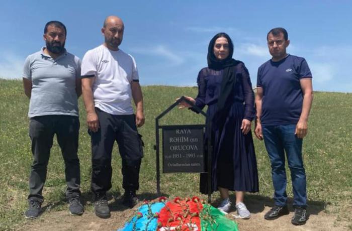 Raquf Orucovun qoyduğu nişanə ilə anasının məzarı tapıldı – FOTO