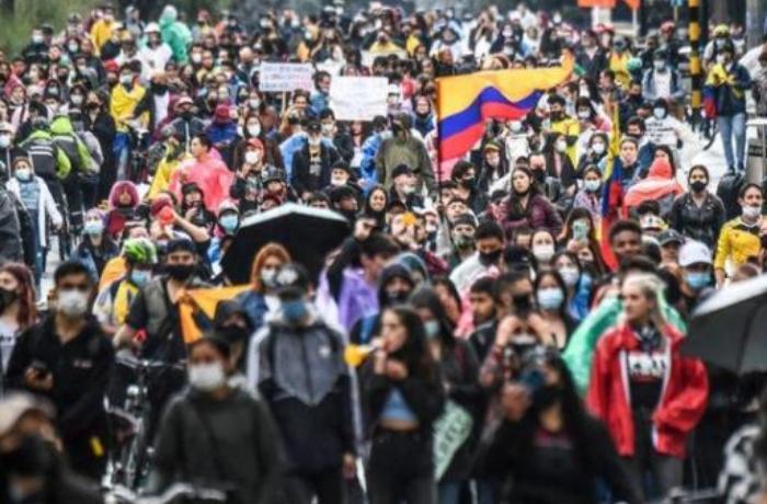 Meydan muharebesi değil hükümet protestosu! Kolombiya'da ölen göstericilerin sayısı her dakika artıyor