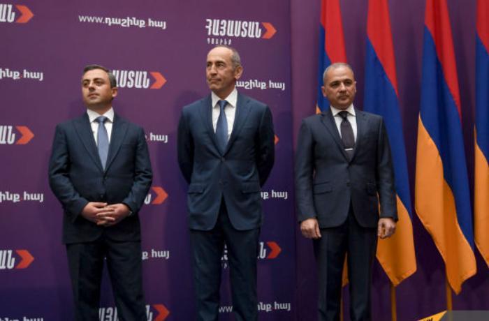 Ermənistanda Robert Köçəryanın başçılıq etdiyi yeni siyasi bloq yarandı