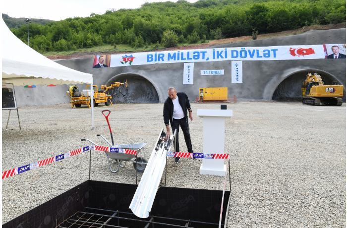 Prezident Əhmədbəyli-Füzuli-Şuşa avtomobil yolunda inşa olunacaq tunelin təməlini qoyub