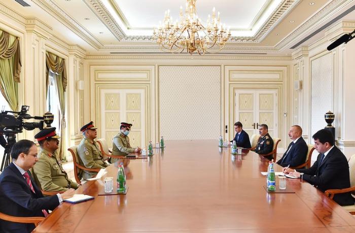 Ильхам Алиев принял командующего сухопутными войсками Пакистана