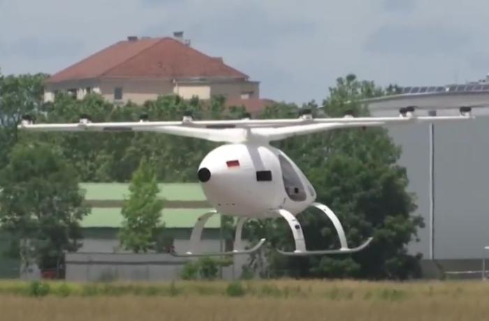 Almaniyada uçan taksilər sınaqdan keçirildi