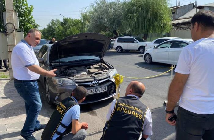 Erməni siyasətçinin avtomobili partladıldı