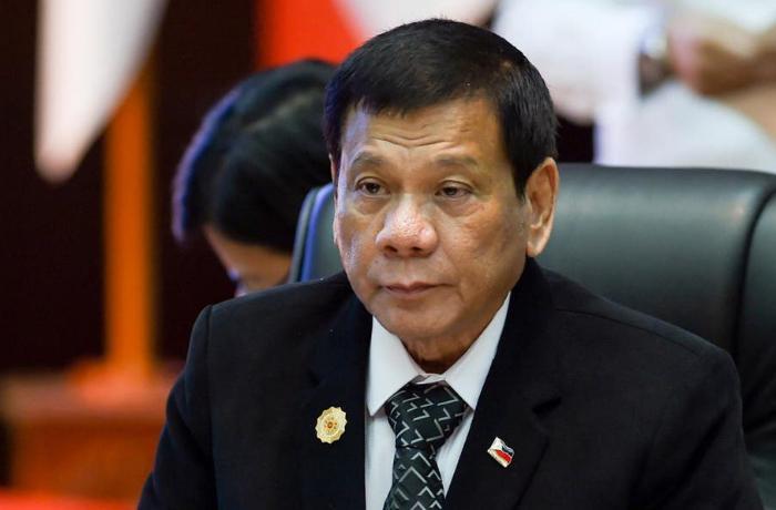 """Filipinler Devlet Başkanı: """"Ya aşı olursunuz ya da sizi hapse atarım"""""""