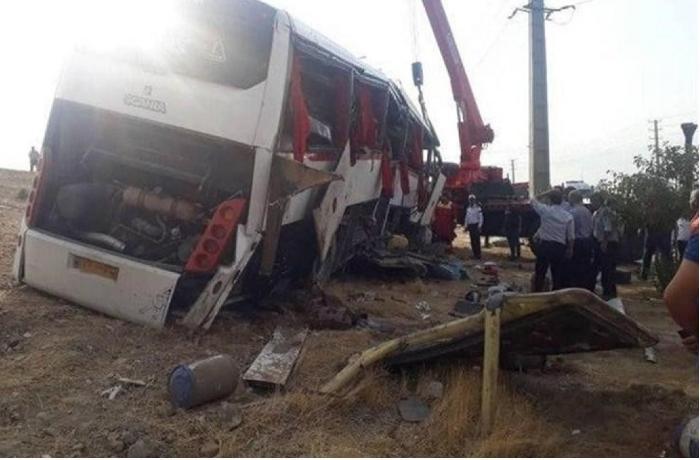 İranlı jurnalistləri daşıyan avtobus aşdı, ölən və yaralananlar var
