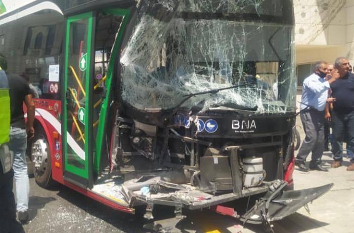 """""""Baku Bus"""" qəzaya uğradı – FOTO"""