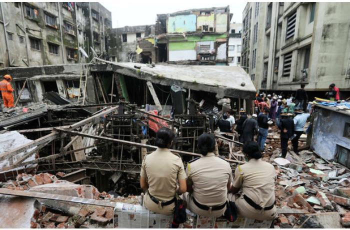Hindistanda bina uçub, ölənlər var