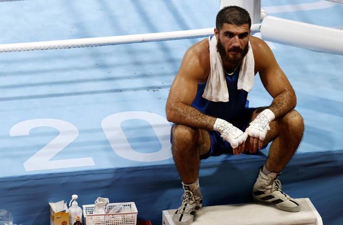 Fransanı təmsil edən azərbaycanlı boksçuya görə polis çağırılıb