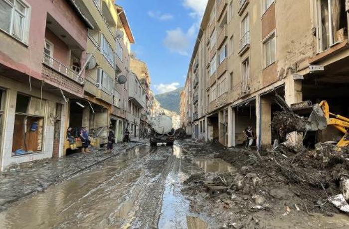 Batı Karadeniz'de sel felaketi: Kayıp sayısı 16