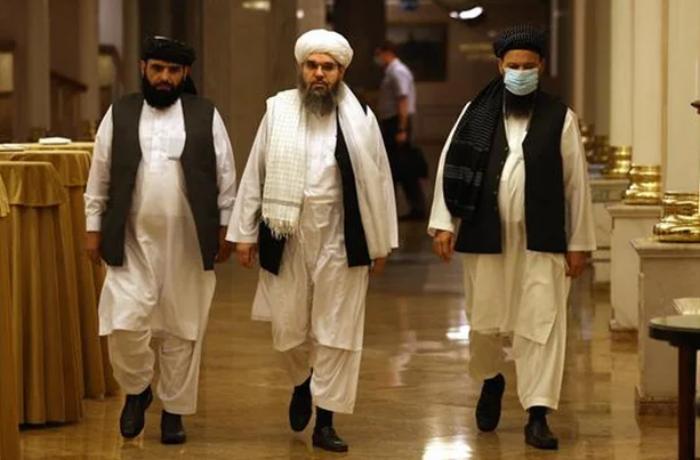Taliban'dan Afganistan'da yeni yasak! Dolar çıkışına izin yok