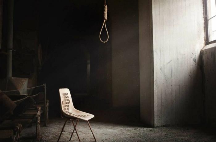 Bakıda 14 yaşlı qız intihar etdi