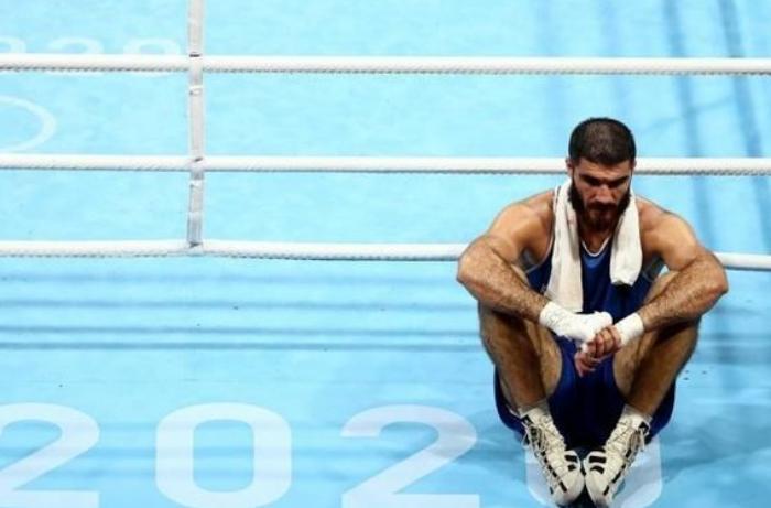 Olimpiadanı qalmaqalla tərk edən azərbaycanlı idmançı məğlubiyyətindən yazdı – FOTO