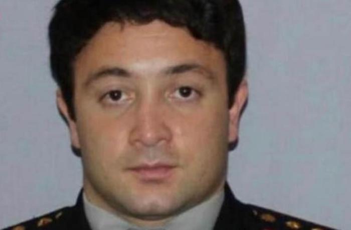 Cinayətkarın qumbara partlatması nəticəsində xəsarət alan polis vəfat etdi