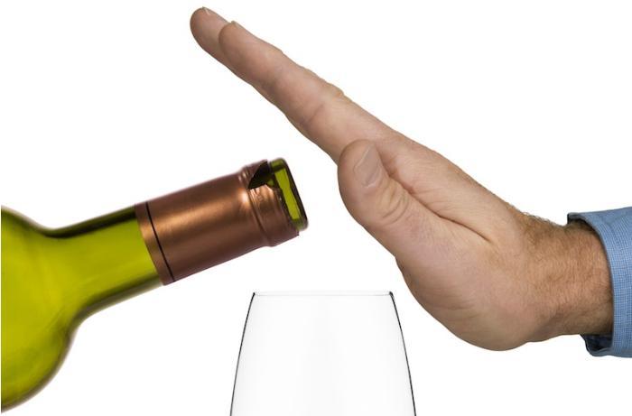 Spirtli içkilərin insanlar üzərindəki mənfi təsirləri