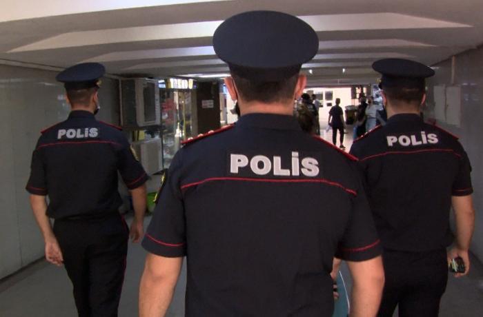 Polis yeraltı keçidlərdə yerləşən obyektlərdə reyd keçirib - FOTOLAR