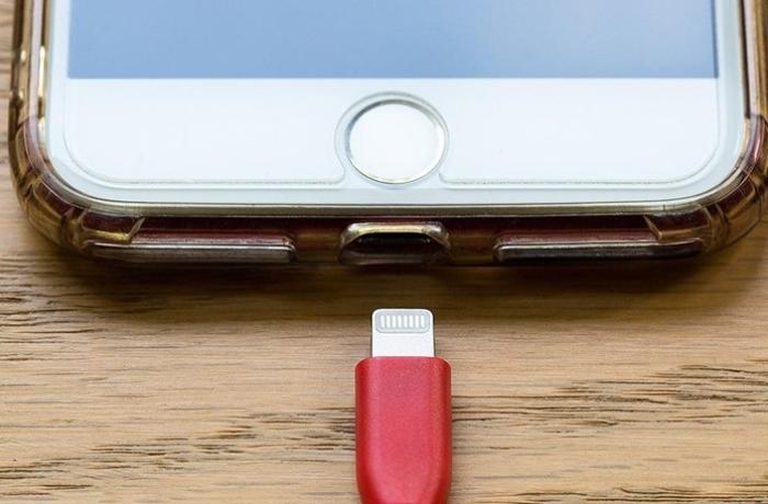 Aİ-dən smartfon telefon adaptorları barədə yeni təklif