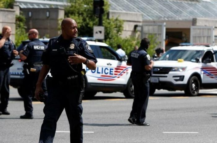ABŞ-da supermarketə silahlı hücum - 1 ölü, 12 yaralı