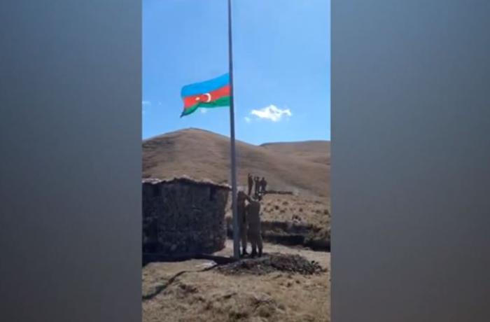 Göyçə mahalında Azərbaycan bayrağı ucaldıldı - VİDEO
